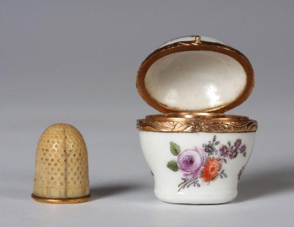A rare Meissen gold-mounted thimble case c.1750