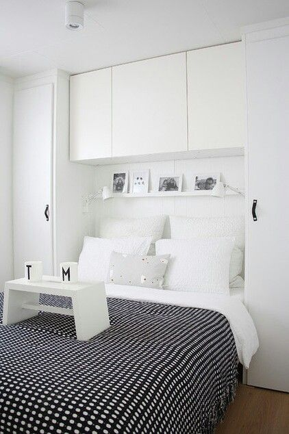 Astounding Small Bedroom Storage Ideas in Contemporary Bedroom with Black Colored Blanket whi. Astounding Small Bedroom Storage Ideas in Contemporary Bedroom with Black Colored Blanket which has Little White Dots Small Bedroom Storage, Small Master Bedroom, Small Bedroom Designs, Closet Storage, Small Storage, Extra Storage, Bedroom Storage Ideas For Clothes, Bedroom Storage Solutions, Small Bedroom Ideas For Couples