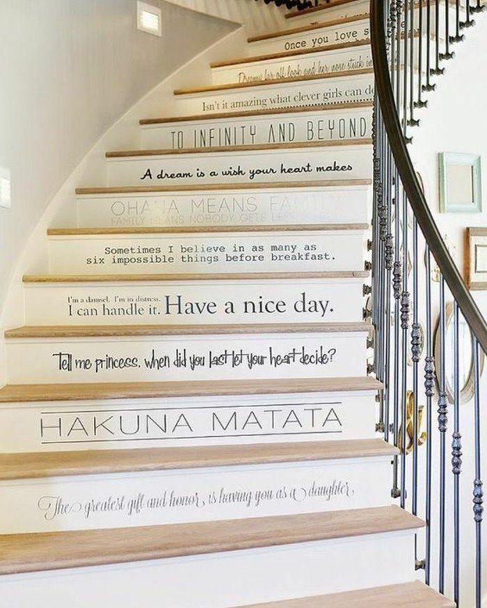 deco escalier avec des citations, deco escalier texte, suggestion magnifique cage escalier