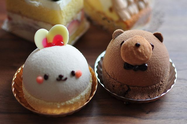 Kawaii sweets (The bear is made out of banana mousse and chocolate one. The bunny chan is made out of vanilla mousse, custard cream and raspberry puree)