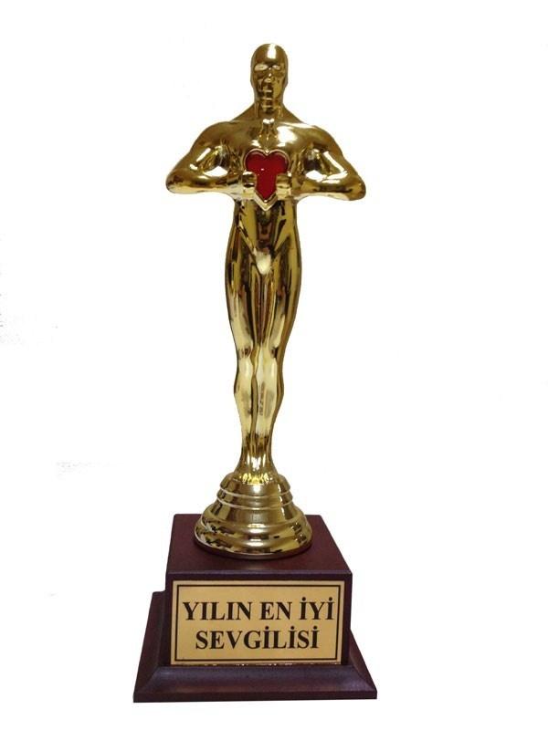Sevgililere özel kalpli Oscar BuldumBuldum.com da satışa çıktı!  http://www.buldumbuldum.com/hediye/kalpli_yilin_en_iyi_sevgilisi_oscari/