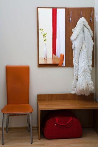 Veja 12 móveis e objetos que deixam o hall mais funcional e convidativo - Casa e Decoração - UOL Mulher