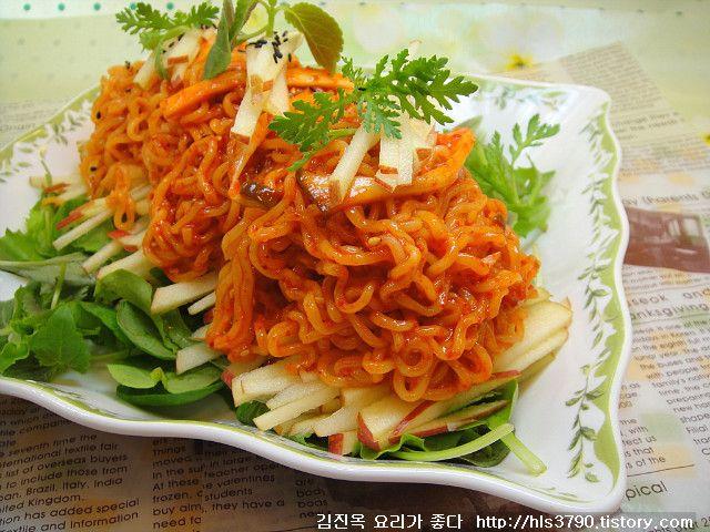 김진옥 요리가 좋다 :: 새콤달콤 건강한 별미요리~ 사과비빔라면 *^^*