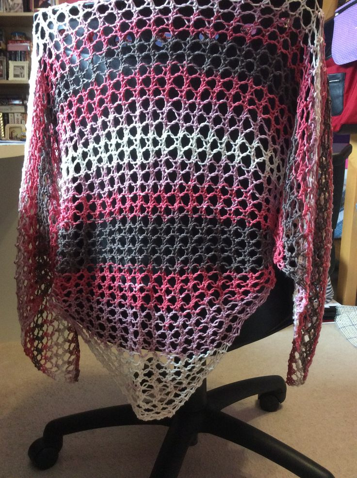 Retirement shawl for a work associate. Yarn: simplicity by Hikoo (Feb/18)