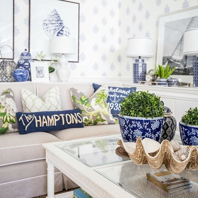 Do you spy that 'The Hamptons' pillow? It's exclusive to us here at HS and we're like