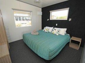 Taupo accommodation lake villa bedroom1