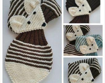 Ajustable zorro bufanda a mano de punto bufanda / calentador del cuello para niños o adultos.   Beige por QuiltNCrochet