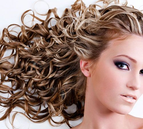 chunky highlights curly hair - Google Search Love This! I have always wanted to get curls....Most people say don't do it, but curling iron curls don't hold too long...Hair is too heavy!