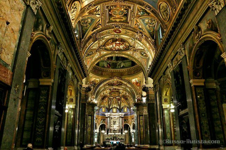 Изумительная Церковь Девы Марии Розарии в Помпеи, Италия. #италия #помпеи #храм #экскурсиивпомпеи