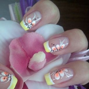 glam nail designs,yellow and white -