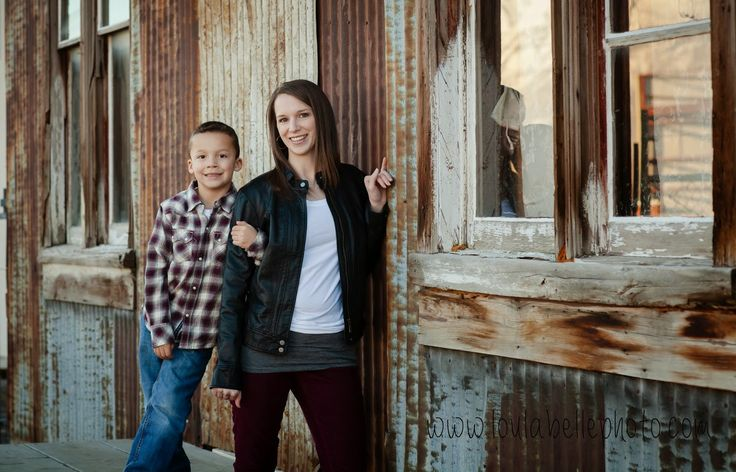 The 25 best mother son poses ideas on pinterest mother for Urban family photo ideas