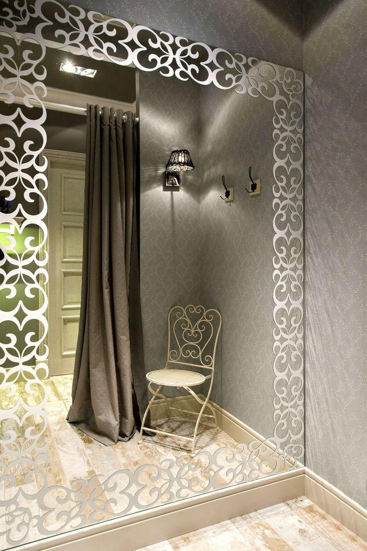 Best 25 frame bathroom mirrors ideas on pinterest for Decoracion de almacenes de ropa
