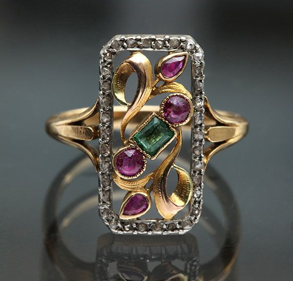 ART NOUVEAU Ring Gold Platinum Emerald Ruby Diamond French, c.1910