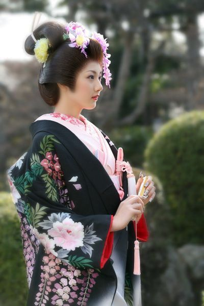 Contemporary uchikake (wedding over-kimono). Japan