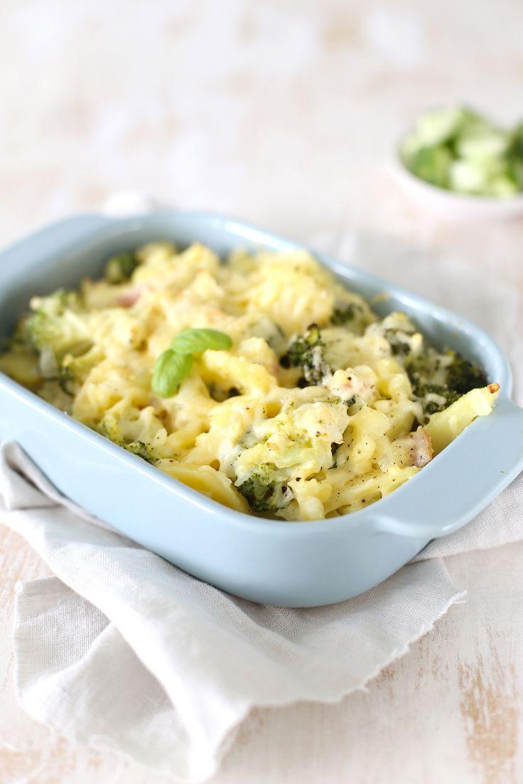 Aardappelovenschotel met broccoli en spek
