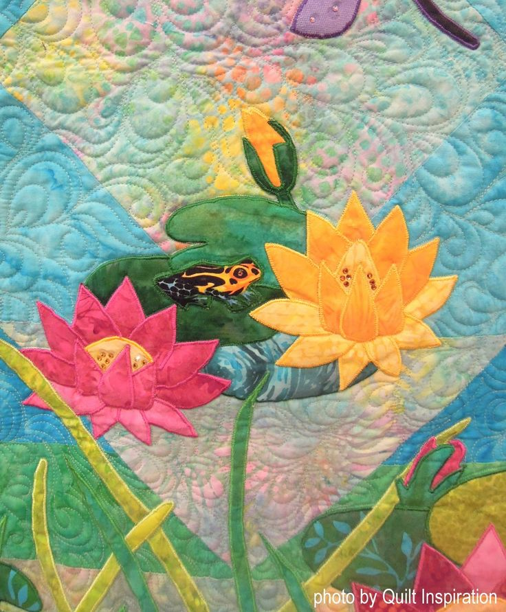 Dragonfly Pond by Carol Carpenter, quilted by Kris Neifeld. Based on the pattern by Lynn Majidimehr. Closeup photo by Quilt Inspiration; 2017 Quilt Arizona show