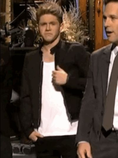 """When Niall was being sexy and blew a kiss: 