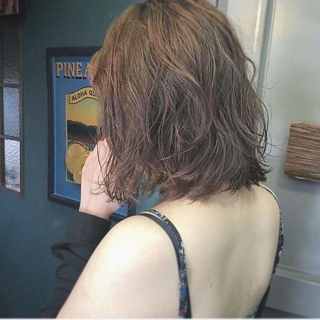 リアルパーマ。 stylist:emma @pokerxemma ☎︎0662810266 http://beauty.hotpepper.jp/smartphone/slnH000248989/?cstt=1 http://www.swell-hairmake.com #SWELL #HAWAII #美容室 #大阪 #南船場 #ALOHA #ハワイアンサロン #心斎橋 #撮影 #Lapule #ヘアスタイル #マツエク #halebyswell #まつ毛 #アイリスト #海 #家族 #ヘア #HAIR #MAKE #ヘアアレンジ #外国人風 #ファッション #可愛い #おしゃれ #新しい可愛いを見つける #オルチャンメイク #オルチャンヘア #タンバルモリ #ムルギョルパーマ 2016/06/24 15:01:05