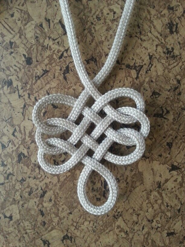 Single rope pendant | WrappedKnottedBraided | Pinterest | Bröd