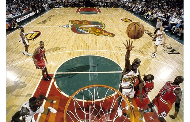 20. Gary Payton--- Accomplishments: 9-time All-Star, Two-time First Team All-NBA, Nine-time All-Defensive First Team, 1996 Defensive Player of the Year Team(s): Seattle Supersonics, Milwaukee Bucks, Los Angeles Lakers, Boston Celtics, Miami Heat Career Stats: 16.3 PPG, 4.0 RPG, 6.9 APG, 1.9 SPG, 0.2 BPG Years Played: 1990-2007
