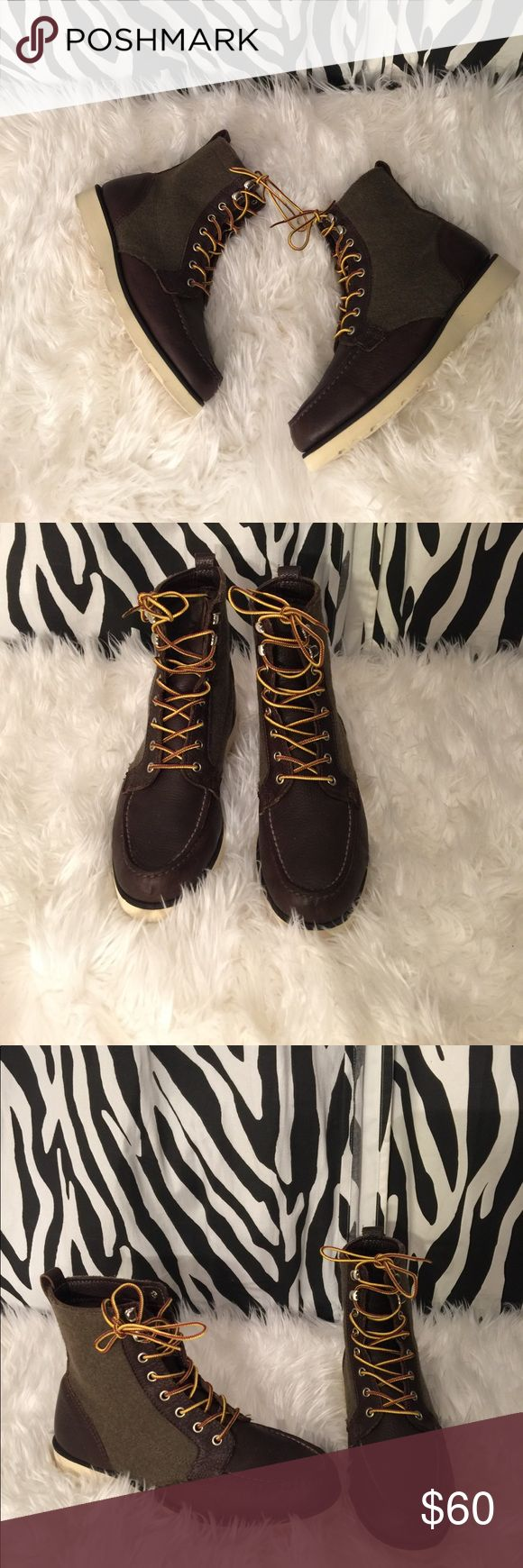 Sebago men boots Like new! Great conditions, no stains. Leather material. Waterproof Sebago Shoes Rain & Snow Boots