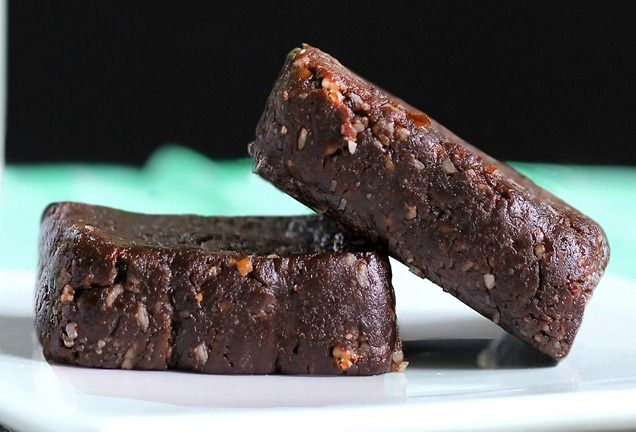 """Healthy, yet tasty, """"Thin Mint"""" Brownies   Each Larabar-sized bar (45 grams) will have around 175 calories, 8 grams healthy fat, 2 grams protein, 25 grams carbs, 5 grams fiber, and zero grams of added sugar"""