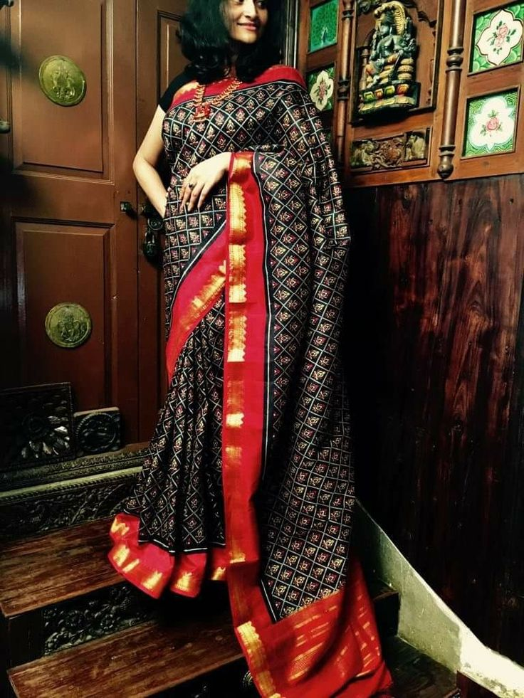 Semi tuser ikkat print saree Price:3500 Order what's app 7995736811