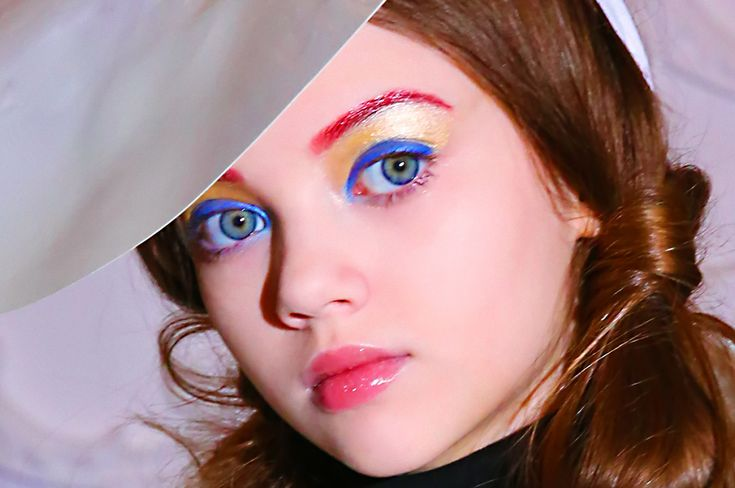 Noelle Vlasov: Red, Yellow and Blue