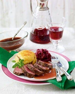 Das Rezept für Zarter Rehrücken zu Rotweinsoße und weitere kostenlose Rezepte auf LECKER.de