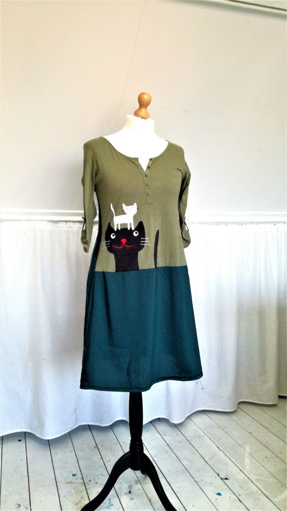 Cat Dress, Upcycled Dress, Cat Clothes, Cool dress by MevrouwHartman, Fun Dress Upcycled Clothes, Shabby Chic, Shabby Dress, Green Dress, https://www.etsy.com/shop/MevrouwHartman  http://www.mevrouwhartman.nl/