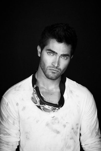 Tyler Hoechlin: was born on September 11, 1987 in Corona, California, USA as Tyler Lee Hoechlin. He is an actor and executive, known for Road to Perdition (2002), Teen Wolf (2011) and Hall Pass (2011). Date of Birth 11 September 1987, Corona, California, USA Birth Name Tyler Lee Hoechlin Height 6' (1.83 m) Boyce Fox: An author who is supposed to meet with Ana at SIP, but she receives a phone call from Jack Hyde demanding $5 million in ransom money and cancels. As of the Epilogue, he has…