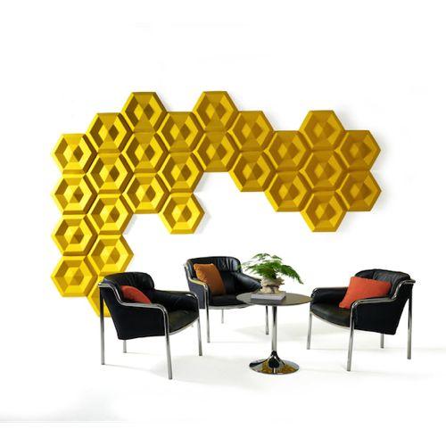 Beehive fra Johanson er en lydisolerende væg som hjælper på støjniveauet i virksomheden og på kontoret. Akustik hjælper på koncentrationen og arbejdsglæden.