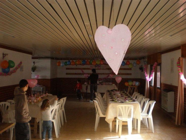 la piñata también corazón  by Dulcinea de la fuente www.facebook.com/dulcinea.delafuente  #fiesta #festejo #cumpleaños #mesadulce#fuentedechocolate #agasajo# #candybar  #tamatización #personalizado #souvenir  #regalos personalizados #catering finger food