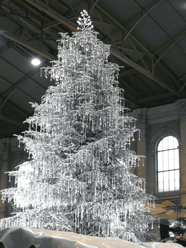 Christkindlimarkt At Zurich Main Station Crystal Christmas Tree Beautiful Christmas Trees Pretty Christmas