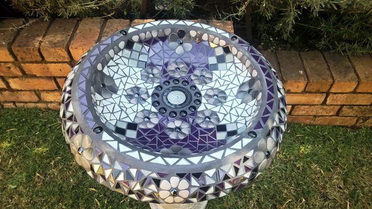 Bird bath & pillar.   Price: R 2 500