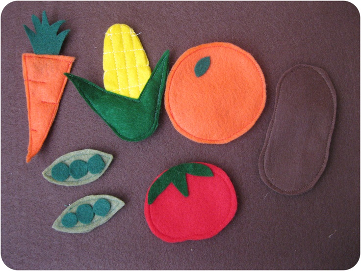 Nap Time Crafters: Card Table Playhouse  simple fruits in felt