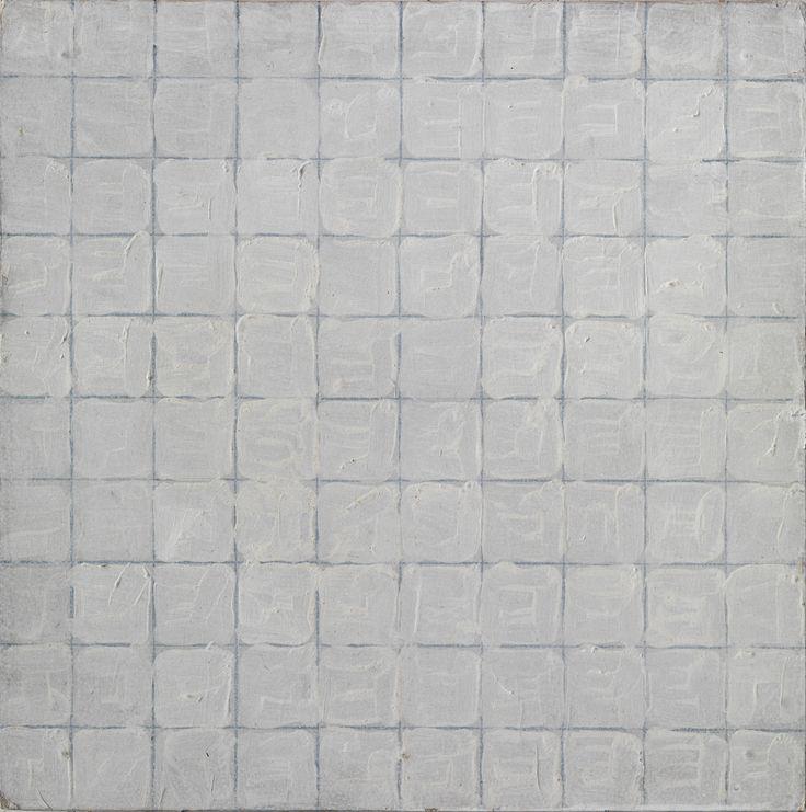 Zonder titel, 1972, acryl op hardboard, 40 x 40 cm  Het raster is de maat der dingen in het werk van Tomas Rajlich (1940). Zijn uitgangspunt is doorgaans een netwerk van horizontale en verticale lijnen, waar hij vervolgens met losse penseelstreek overheen schildert. Met een uitzonderlijk gevoel voor kleur, glans en substantie van de materialen die hij gebruikt, construeert hij zo geschilderde oppervlakken waarin textuur en structuur de hoofdrol spelen.