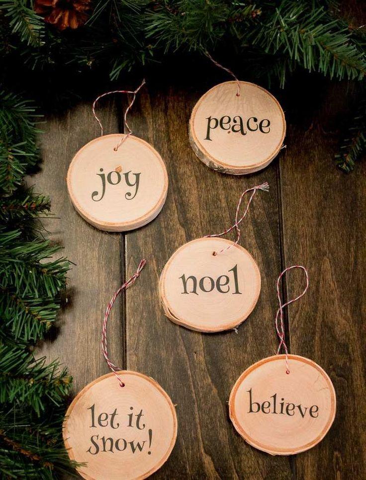 des ornements pour l'arbre de Noël personnalisés - rondelles de bois écrites
