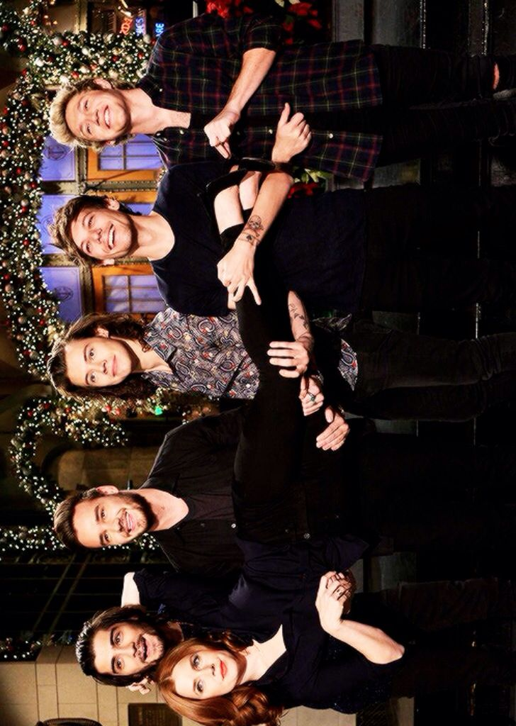 One Direction and Amy Adams on SNL!!!! So much beauty, quirkiness, silliness in one show!! Can't wait!!!