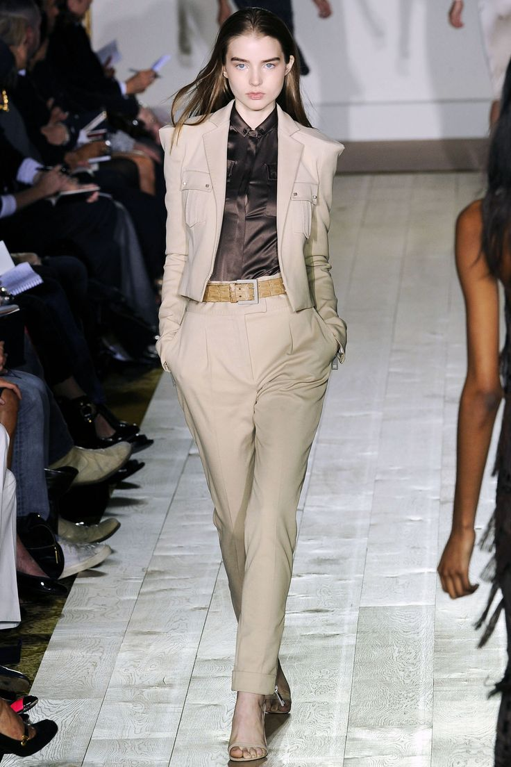 long womens coats Julien Macdonald Spring Summer 2009 Ready To Wear