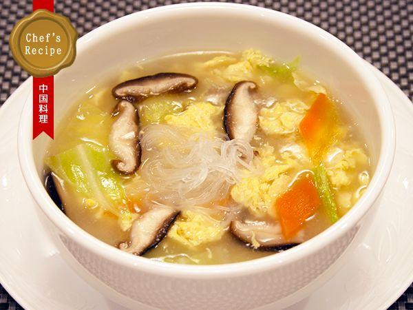 春キャベツとたまごの煮込み野菜スープ