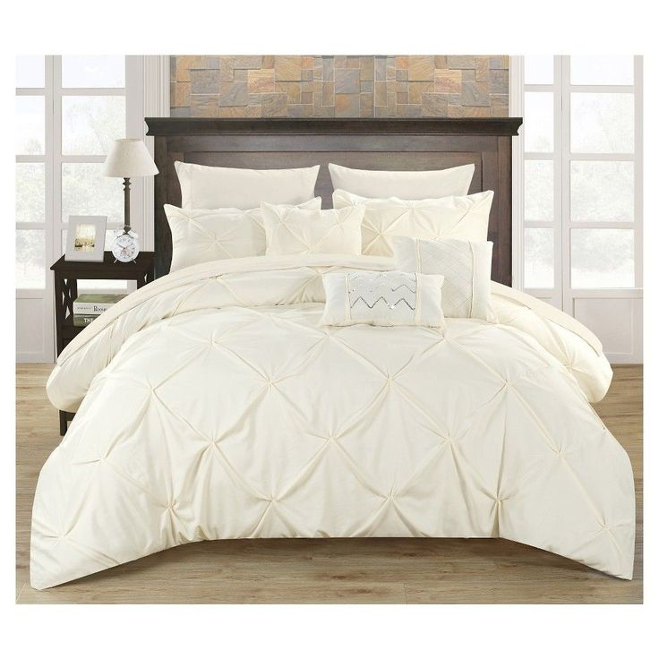 Best 25+ Ruffled comforter ideas on Pinterest   Ruffle bedding ...