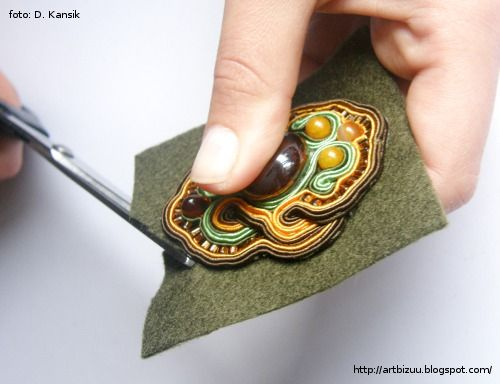 soutache jewelry tutorial- the directions are in another language, but the pictures look helpful!