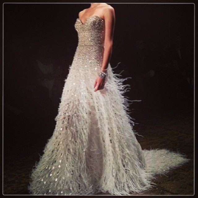 Best 49 Vestits LAZARO ideas on Pinterest | Hochzeitskleider ...