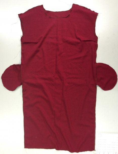 Näin ompelet suoralinjaisen mekon. Kuvalliset ohjeet: http://www.kodinkuvalehti.fi/artikkeli/suuri_kasityo/ompelu/nain_ompelet_suoralinjaisen_mekon
