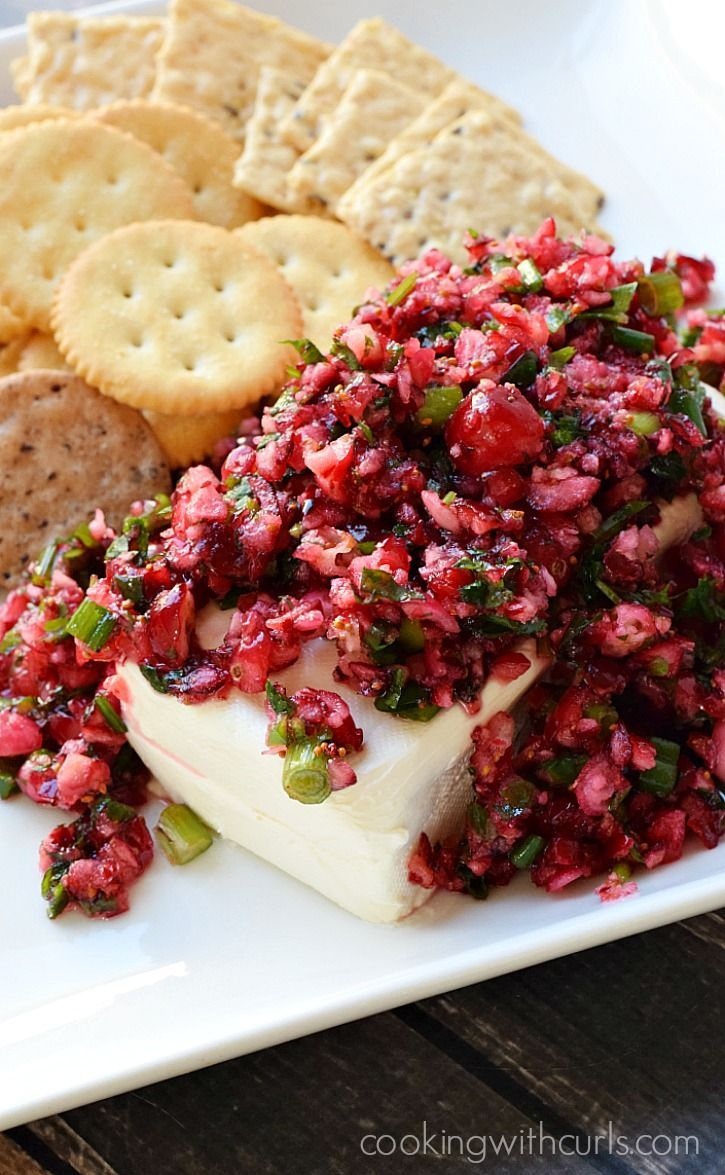 Cranberry Salsa - sweet and tangy with a hint of heat from the jalapenos & Holiday Party planning tips | cookingwithcurls.com #BeGlorious #CG #ad