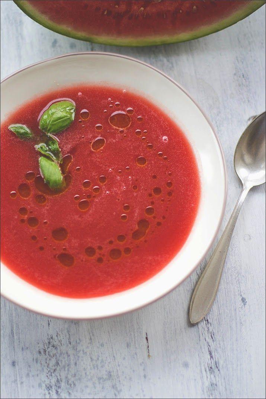 Kalte Erfrischung an heißen Sommertagen: Wassermelonen-Gazpacho als kalte Suppe