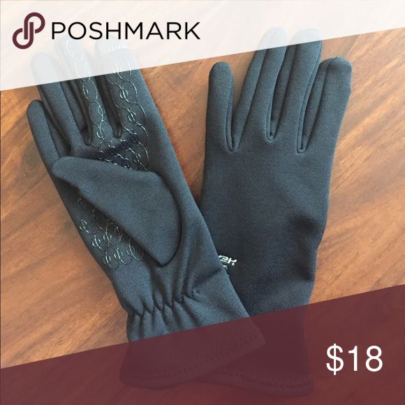 New Listing💋Head Gloves Great condition gloves with rubber grips and touchscreen ability. Head Accessories Gloves & Mittens