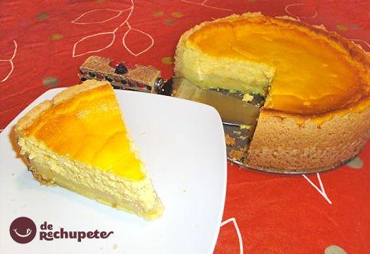 Käsekuchen. Es un pastel o tarta de queso muy familiar en la repostería alemana, con queso y merengue, hecho a base de requesón. Es una tarta muy similar a la cheesecake.