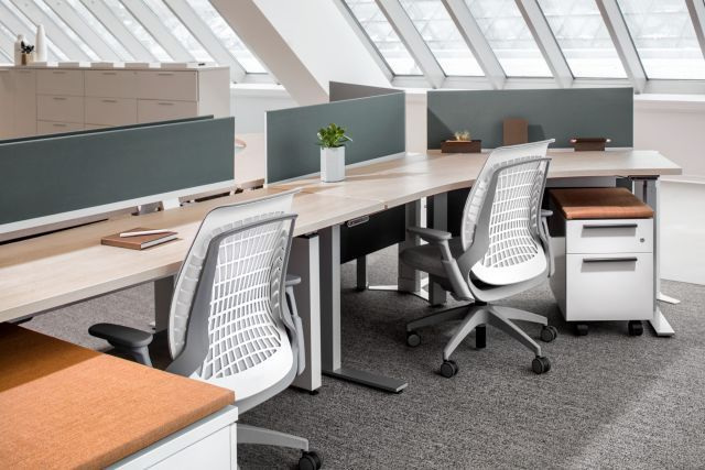 Desk Sharing In 2020 Commercial Design Office Inspiration Desk